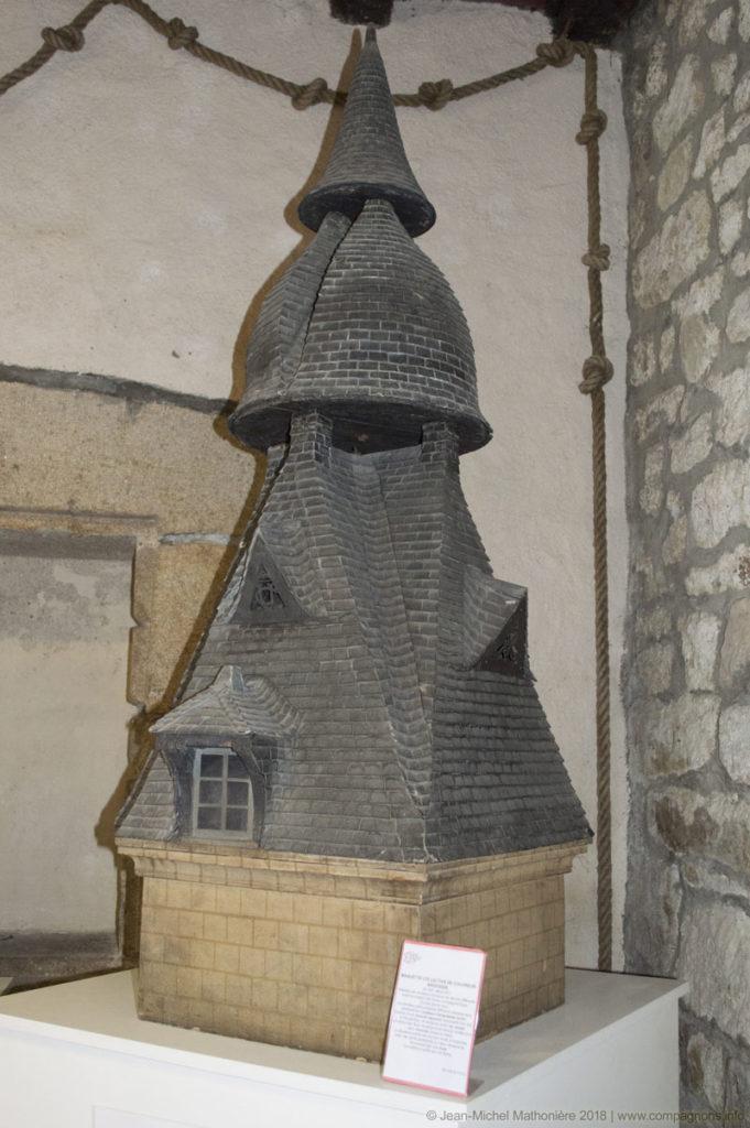 Une image contenant bâtiment, pierre  Description générée automatiquement